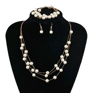 Jewelry - 😍😍Pearl necklace set😍😍